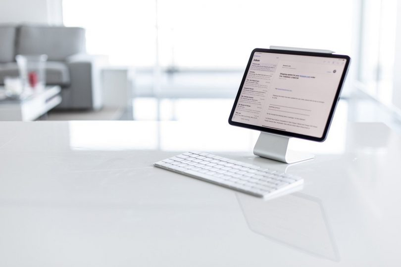 Slope – Magical Universal Tablet Stand with Micro-suction Pads