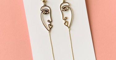 Blow Kiss Earrings
