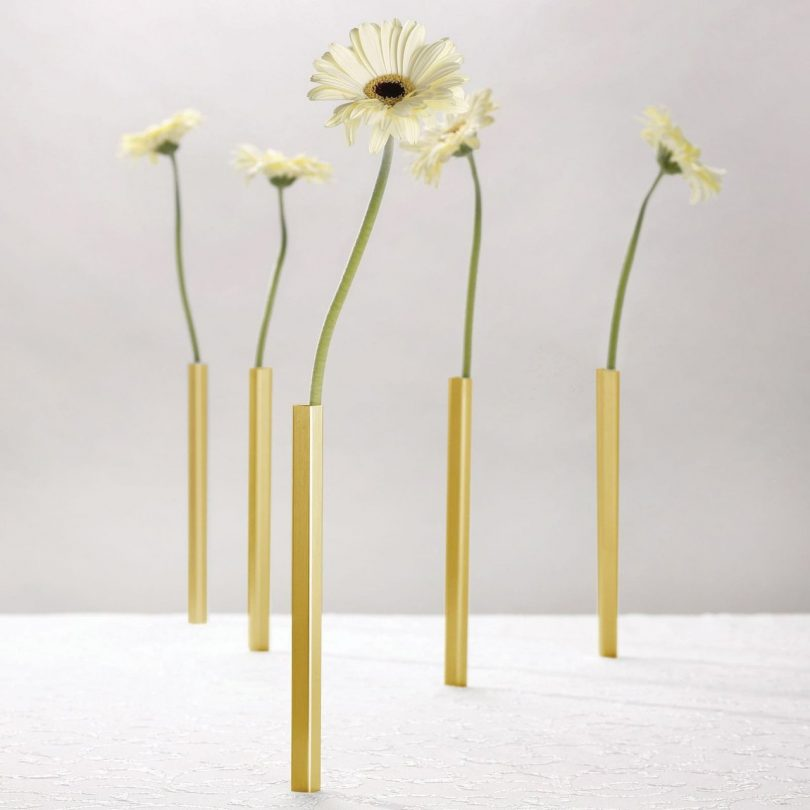 Magnetic Vase Set of 5 Aluminium Flower Vases (Gold) – Peleg Design