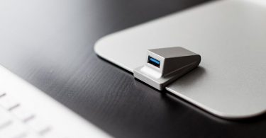 iMacompanion Front USB Port