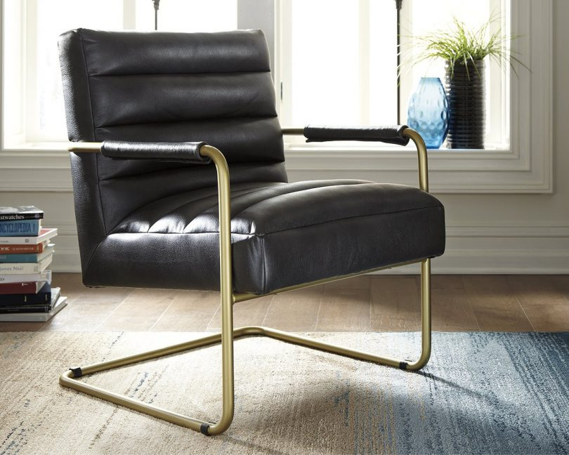 Ashley Furniture Signature Design – Hackley Accent Chair