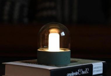 Nostalgic Rechargeable Table Lamp