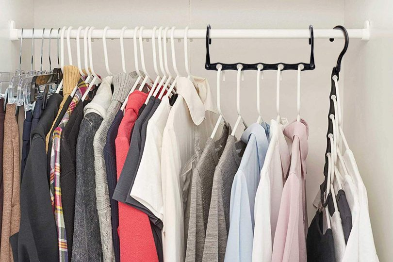 HOUSE DAY Black Magic Hangers Space Saving Clothes Hangers