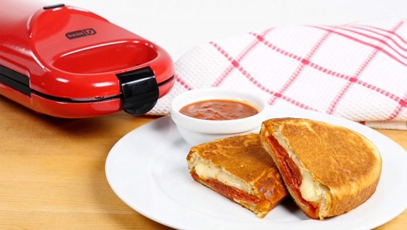 Dash Omelette Maker with Dual Non Stick Plates