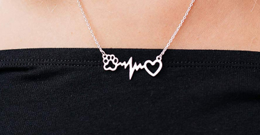 Rosa Vila Dog Paw Heartbeat Necklace