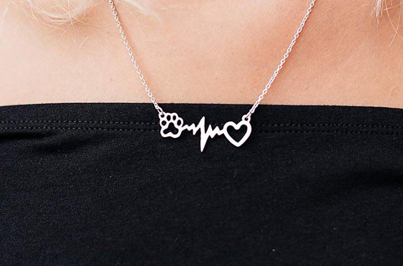 Rosa Vila Dog Paw Heartbeat Necklace