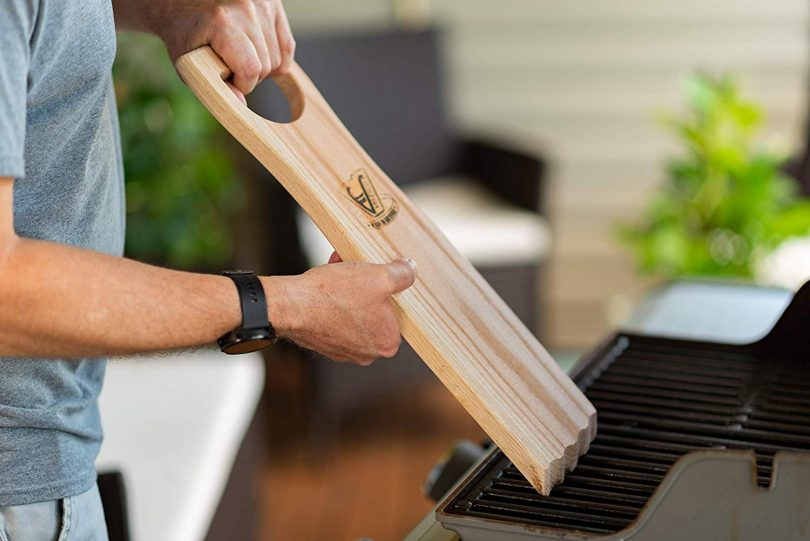 BBQ Wooden Grill Scraper Cleaner Pro