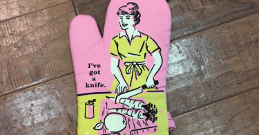 Blue Q I ve Got A Knife Oven Mitt