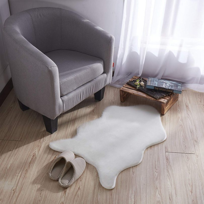 Silk Road Concepts Low Pile Fluffy Sheepskin Rug