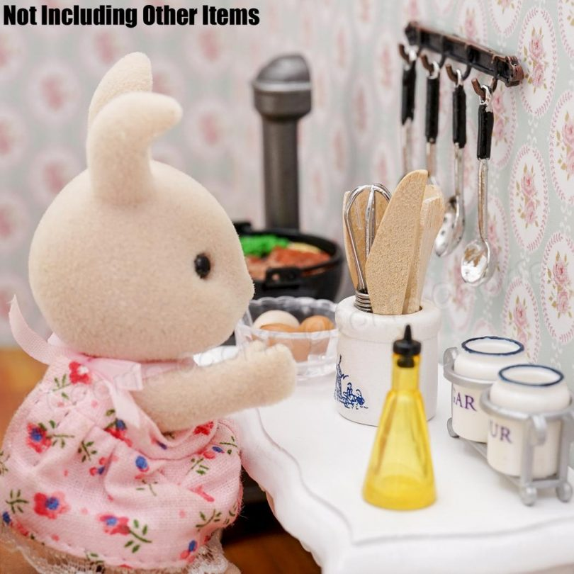 Odoria 1:12 Miniature Egg Beater and Utensils with Pottery Holder Dollhouse Kitchen Accessories