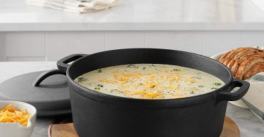 AmazonBasics Pre-Seasoned Cast Iron Dutch Oven Pot