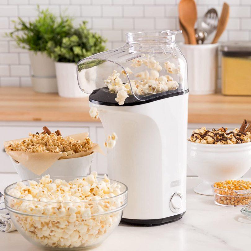 Popcorn Machine: Hot Air Popcorn Popper + Popcorn Maker with Measuring Cup