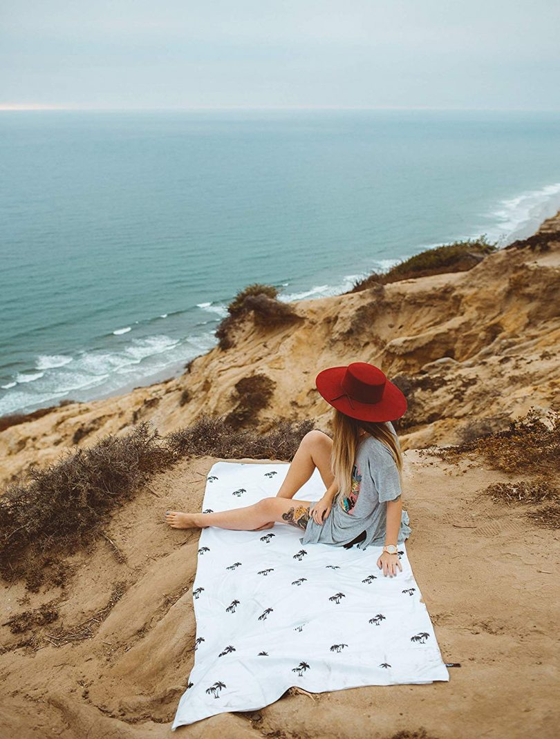 Large Beach Towel Microfiber & Oversized