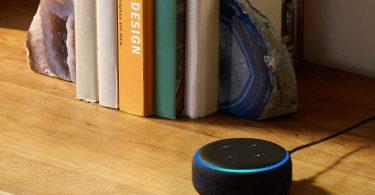 Blink Mini – Compact indoor plug-in smart security camera
