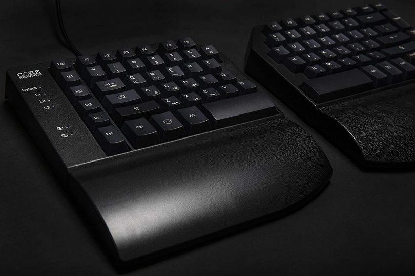 CORE MECHANICS Project: 0001 Split Mechanical Keyboard