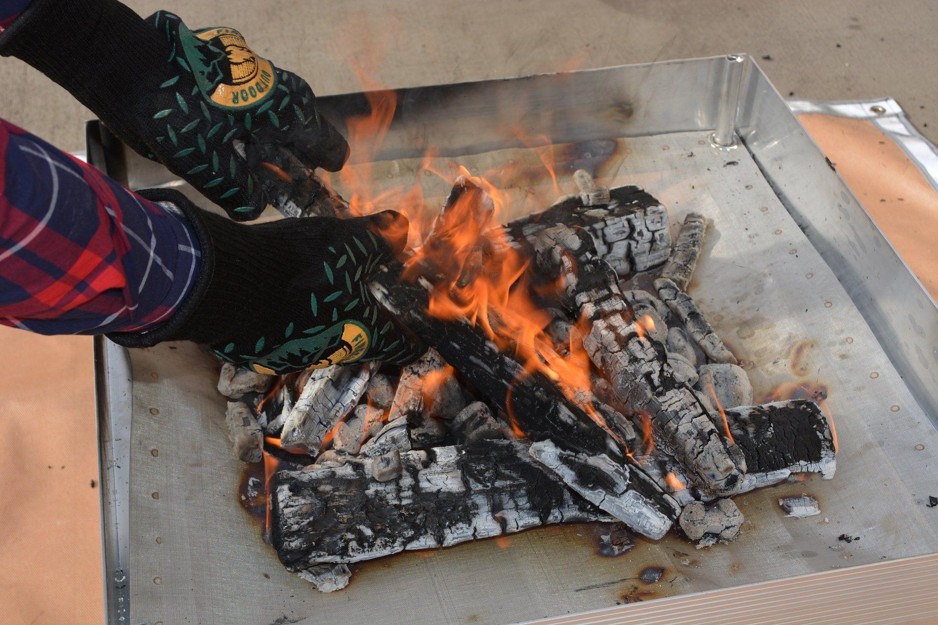 Campfire Defender Protect Preserve Fireside Thermal Resistant Gloves