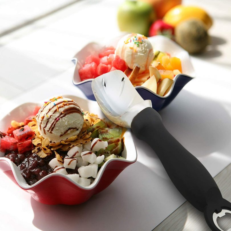 DOIOWN Ice Cream Scoop Solid Ice Cream Scooper with Comfortable Handle and Bottle Opener