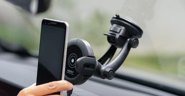 Hudly Fast 10W Wireless Charger Car Mount with Robotic Arms