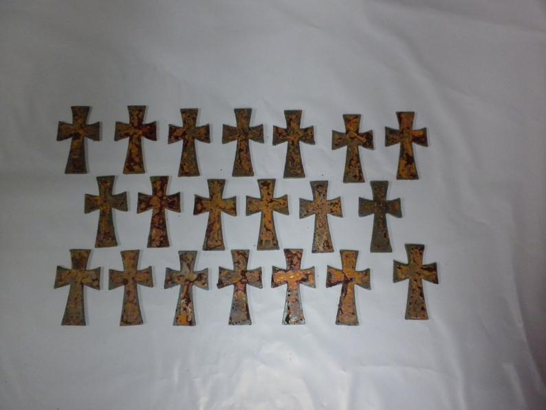 Lot of 20 Rough and Rusty Crosses 2.5 inch Metal Art Ornament