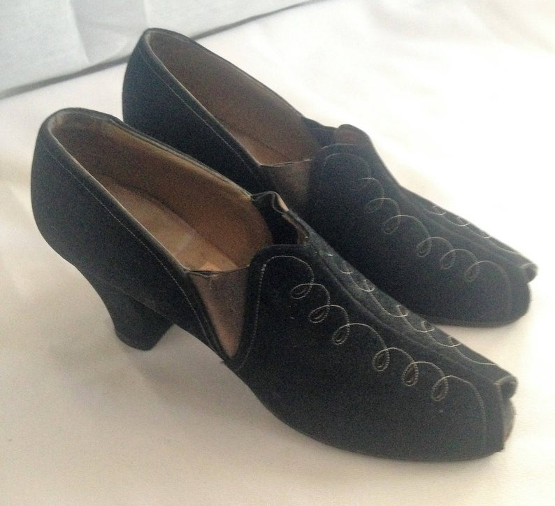 Black suede Dickerson 40's shoes