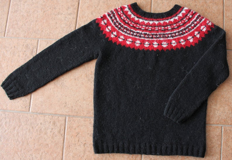 Icelandic Light-wool sweater. Ltt-Lopapeysa. Handmade.
