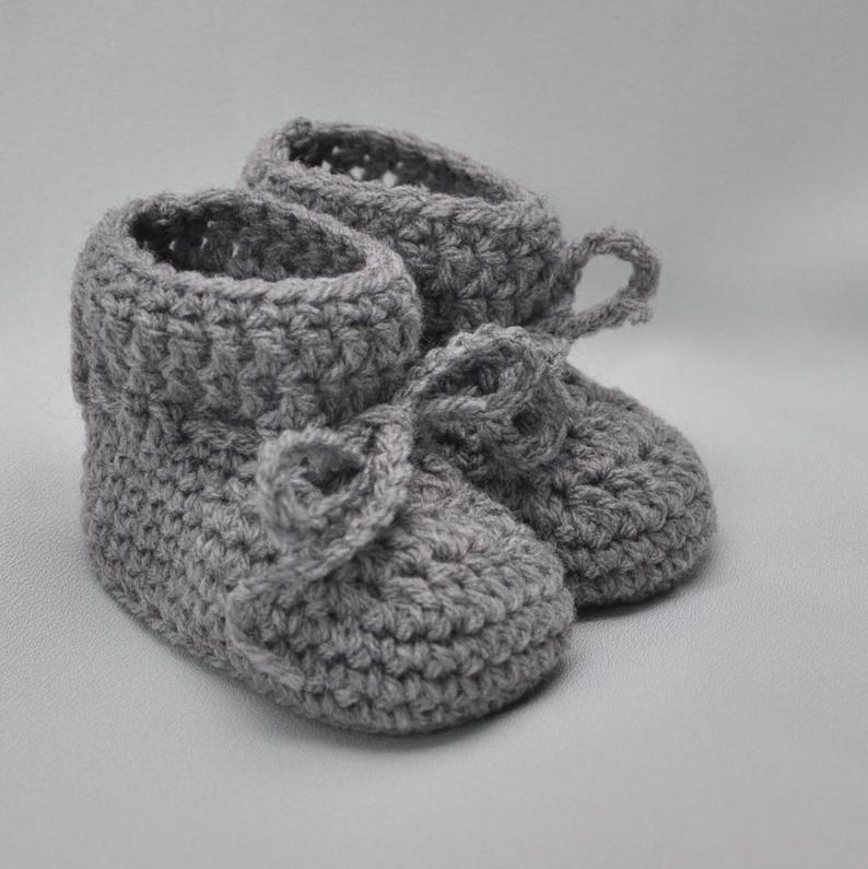 Baby Booties Booties that Stay On in Gray