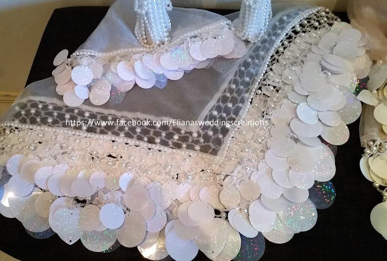 Detailed bride white scarf  yalekhta