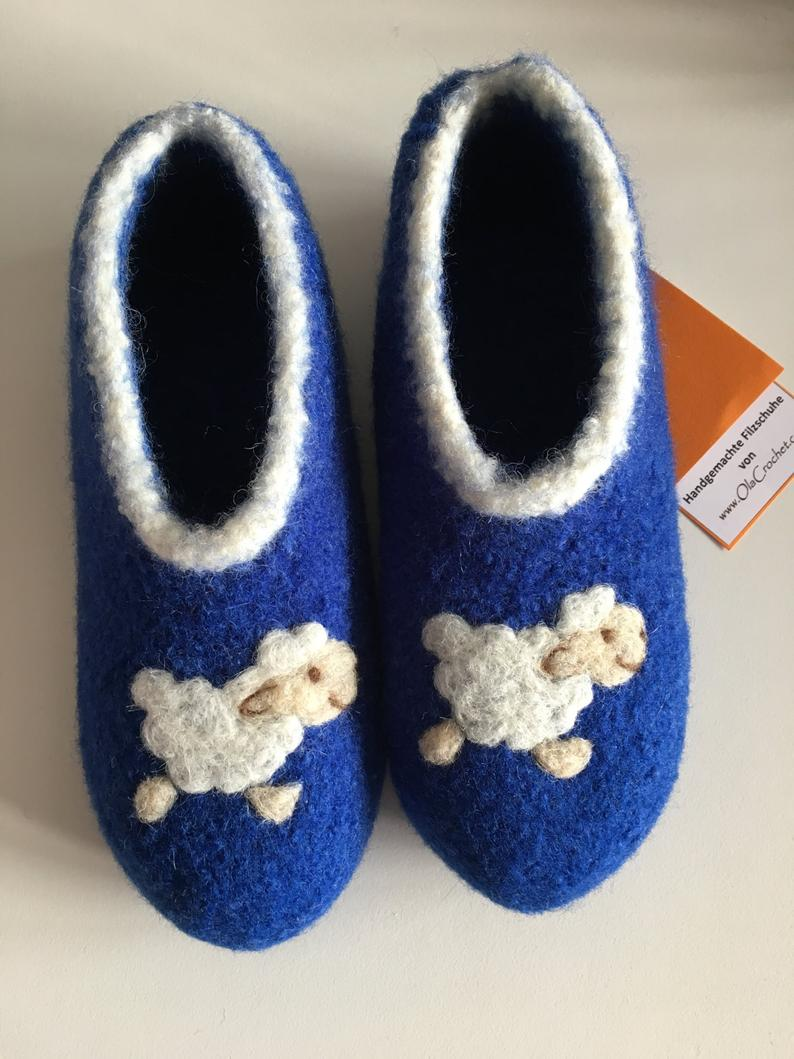 Children's felt shoes sheep