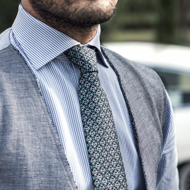 The Pigeon Blue/Grey Icon Tie