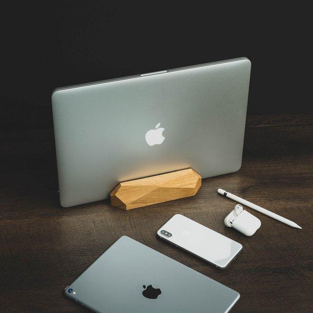Wooden MacBook Dock