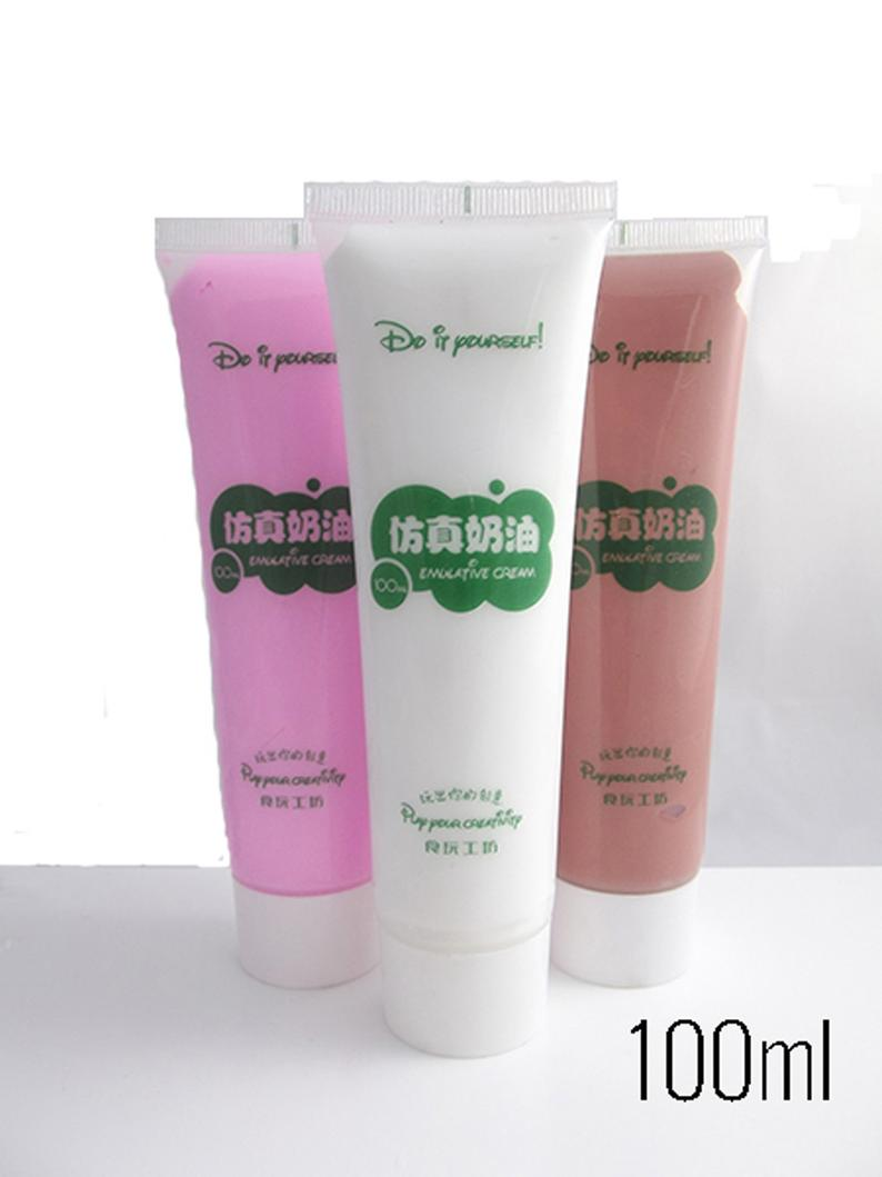 Decoden cream with 6 icing tips 1 x 100ml tube in Vanilla