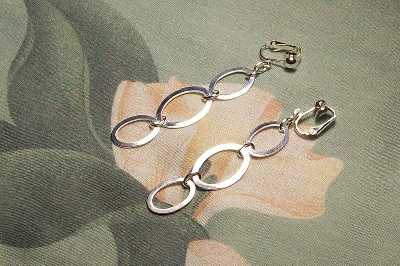 On SALE  Triple Oval Silver Dangle Clip on or Pierced