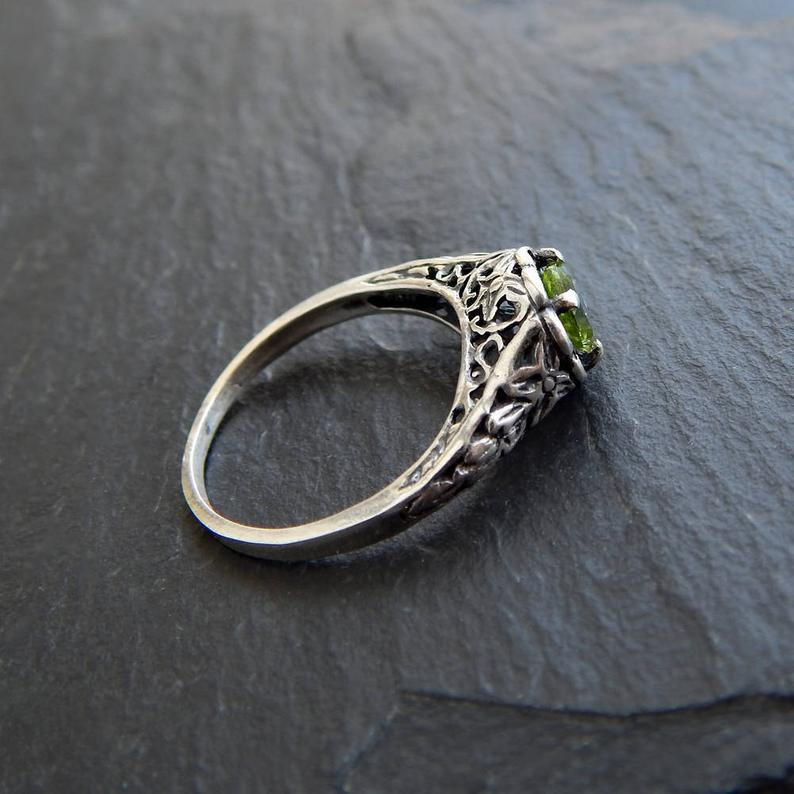 Sterling Peridot Ring: Sterling Silver and Genuine Peridot