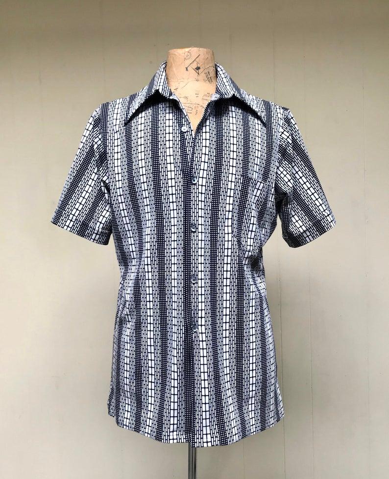 Vintage 1970s Mens Shirt Black and White Geometric Print