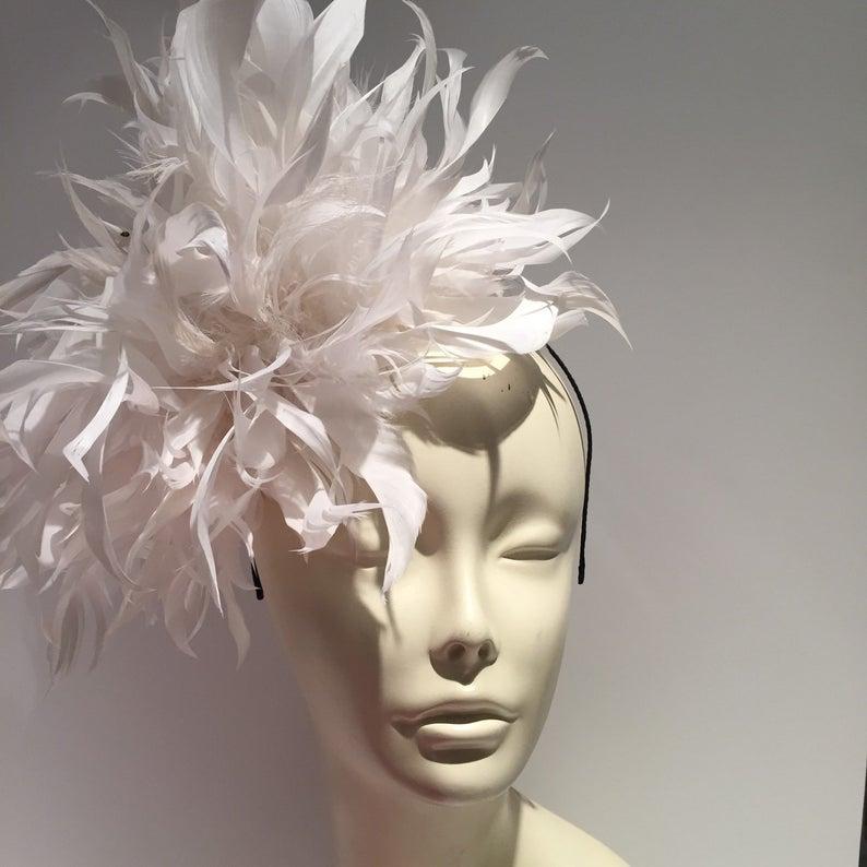 White Fascinator Diner en Blanc Wedding Tea party Hat