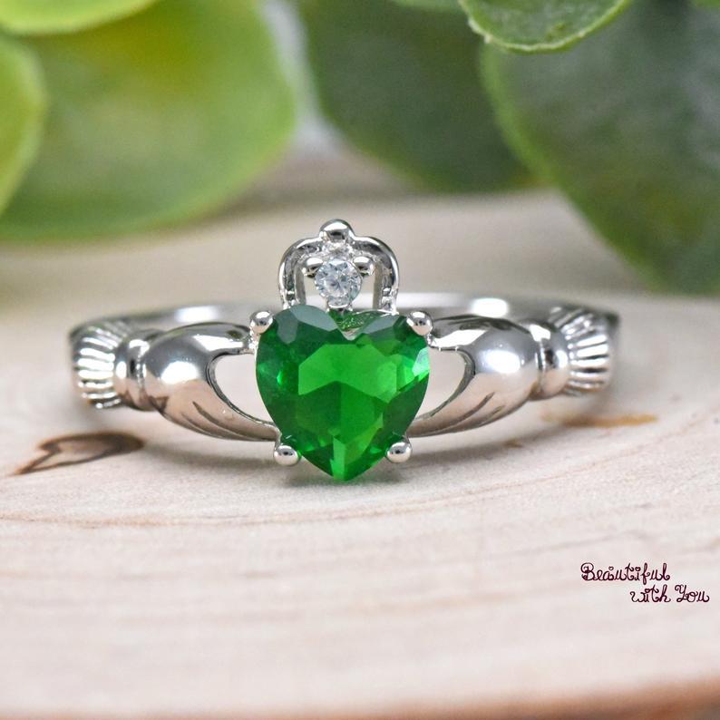 Womens Silver Emerald CZ Claddagh Promise Ring Wedding Band