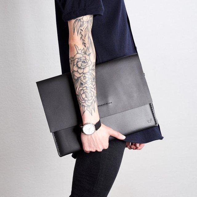 Black Draftsman 1 Leather Surface Sleeve