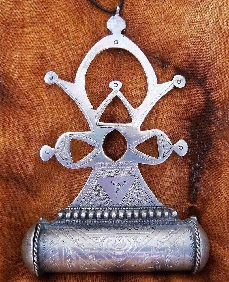 TuaregJewelry Compass Cross & Korkoro Amulet Mauretanie