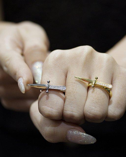Dagger Ring  | | Jason of Beverly Hills