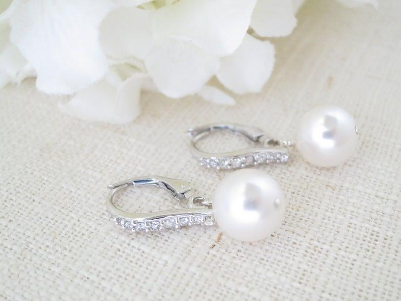 Pearl drop earrings Lever back earrings Mother of Bride Simple