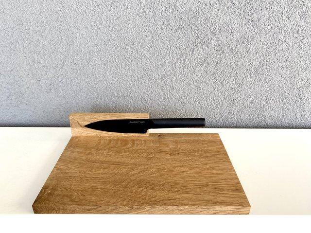 Stand By Cutting Board in Medium