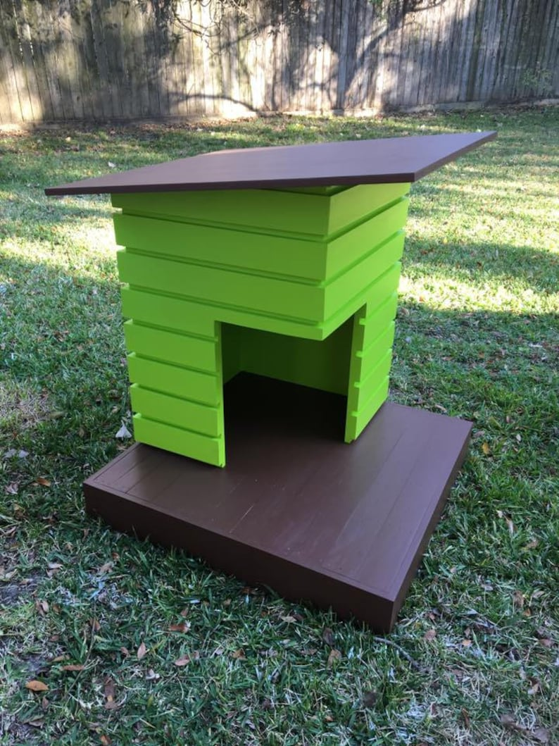 The Pad  Outdoor Dog House